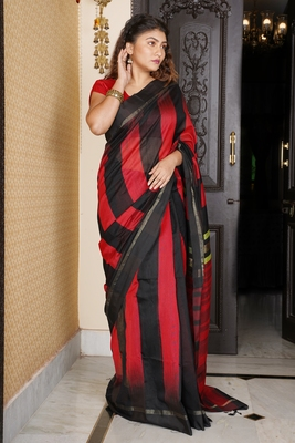RED AND BLACK IKKAT WEAVING BLENDED COTTON SAREE WITH ZARI PALLU