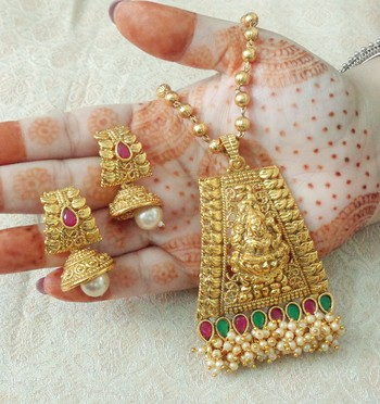 "Lalso Beautiful Ruby Green 22"" Brass Chain Pearl Beaded Bandhani Laxmi Pendant Earring Set - LBLPS03_RG"