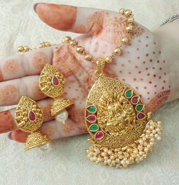 "Lalso Beautiful Ruby Green 22"" Brass Chain Pearl Beaded Bandhani Laxmi Pendant Earring Set - LBLPS04_RG"