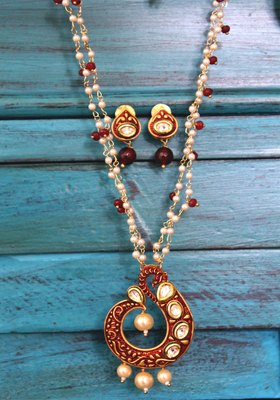 Meenakari Shell Pearls Red Onyx Necklace Set