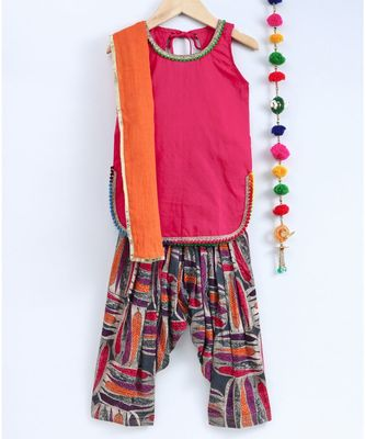 Orange And Pink Semi Patiala Salwar With Pink Top And Orange Dupatta