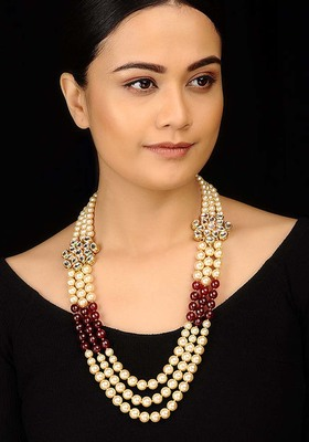 Kundan And Pearls Red Stones Necklace