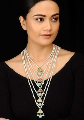 Kundan And Pearls Delicate Panchlada Necklace