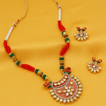 Red stone necklace-sets