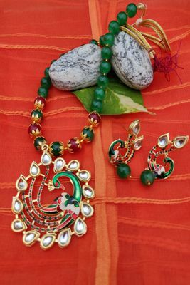 Green emerald   necklace-sets