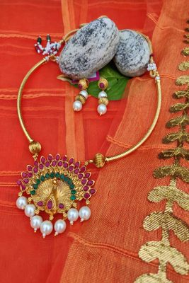 Gold ruby   party-jewellery