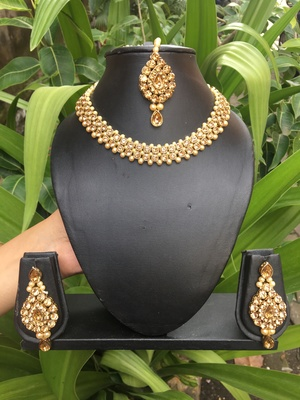 Gold Kundan Necklace Sets