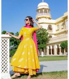 yellow printed Cotton kurta sets