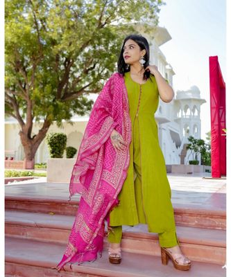 green plain Cotton kurta sets