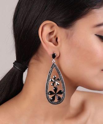 Drop-shaped Floral Motif Earrings