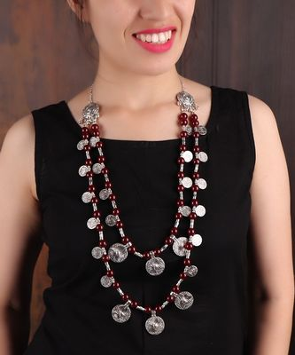 DOUBLE-LAYERED COIN NECKLACE WITH RED BEADS