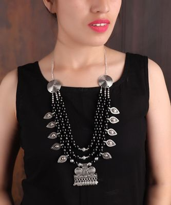 BLACK SILVER BEADED SILVER NECKLACE