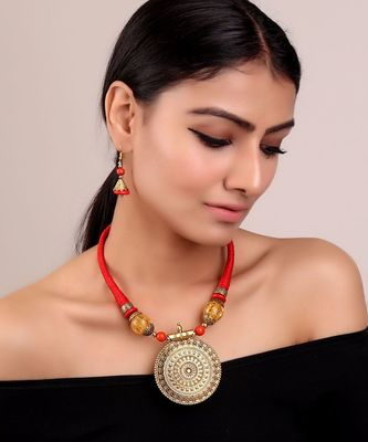 Golden Carved Statement Pendant Set in Red