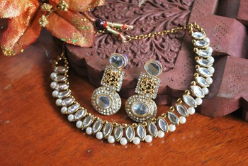 Beautiful hand crafted earrings with kundan necklace set