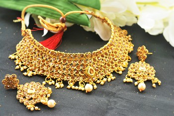 Golden stone choker necklace set