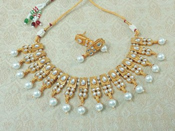 Lalso Beautiful Delicate Pearl Drop White Necklace Earring Jewelry Set - LDN21_WT