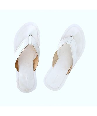 White Mens Leather Chappal