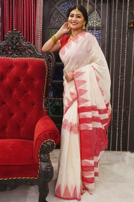 TEMPLE BORDER PEARL WHITE BLENDED COTTON SAREE WITH FLORAL WEAVING