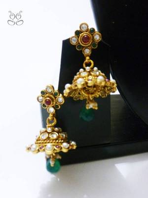Jhumki's with kundan and pearl work