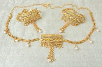 Lalso Adjustable LCT Gold Plated Kundan 1pc Kamarband Waistbelt 2pc Bajuband Armlet Combo Jewelry - LBKC08_LCT