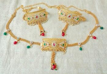 Lalso Adjustable Multicolour Gold Plated Kundan 1pc Kamarband Waistbelt 2pc Bajuband Armlet Combo Jewelry - LBKC09_MG