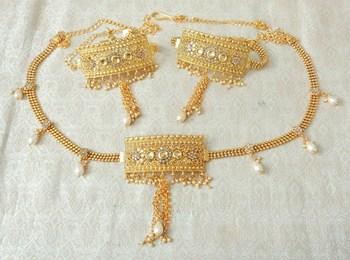 Lalso Adjustable LCT Gold Plated Kundan 1pc Kamarband Waistbelt 2pc Bajuband Armlet Combo Jewelry - LBKC12_LCT