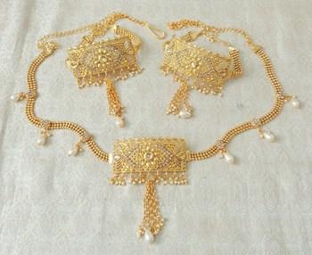 Lalso Adjustable LCT Gold Plated Kundan 1pc Kamarband Waistbelt 2pc Bajuband Armlet Combo Jewelry - LBKC13_LCT