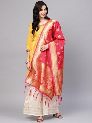 Sutram Women's Banarasi Peach Silk Dupatta