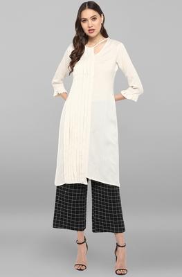 Janasya Women's Off White Rayon Flex Kurta With Trouser