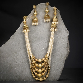 Yellow pearl necklace-sets