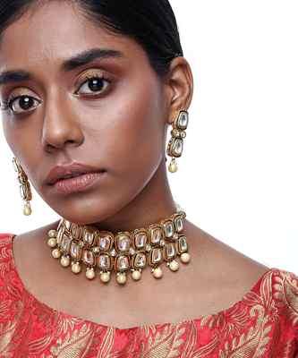 Kundan Choker with Earrings