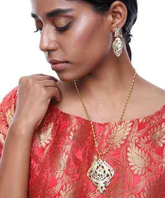 Jadau Pendant & Earrings Set