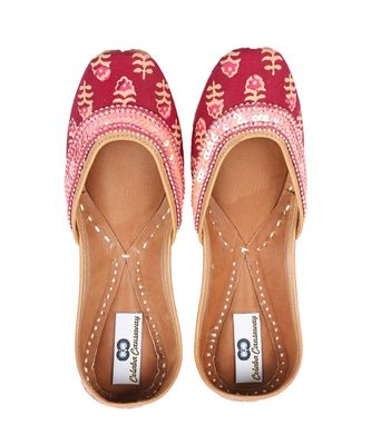 pink solid leather juttis