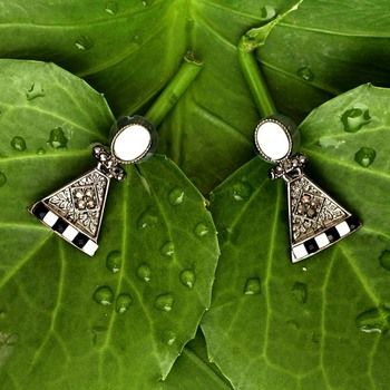 White danglers-drops