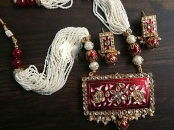 Maroon crystal Meenakari Women necklace-sets