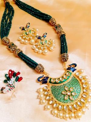 kundan jaipuri Green agate necklace-sets