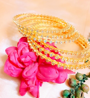 Gold kundan 6 bangles and bracelets