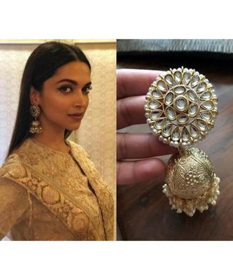 Latest Bollywood Celebrity Copy Kundan Pearl Jhumka Earrings Set