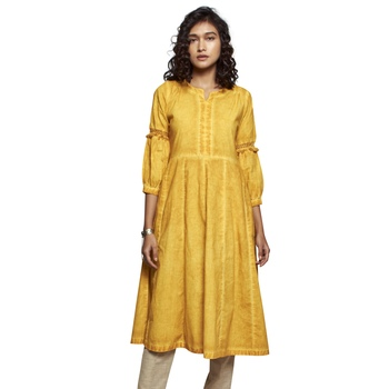 Women's Solid Yellow Cotton 3/4th Sleeved Anarkali Kurti