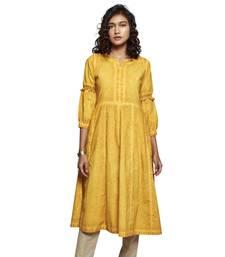 Women's Solid Yellow Cotton 3/4th Sleeved Anarkali Kurti