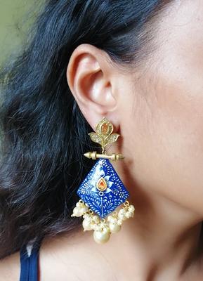 Gold earrings
