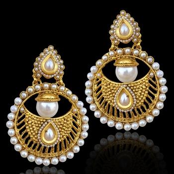 Bollywood INDIA traditional ethnic pearl polki earring-White
