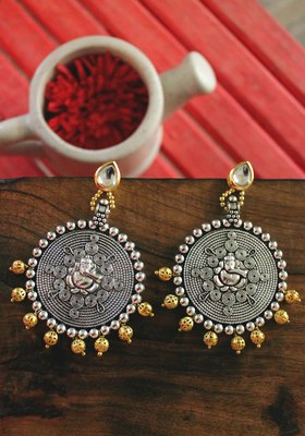 Gold Plated Kundan And German Silver Oxidized Two Tone Earring