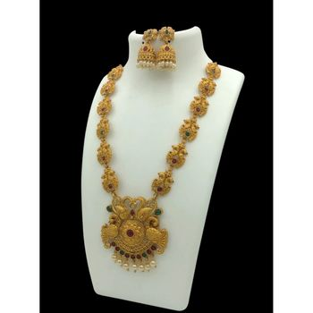 Gold studded jewellery necklace sets