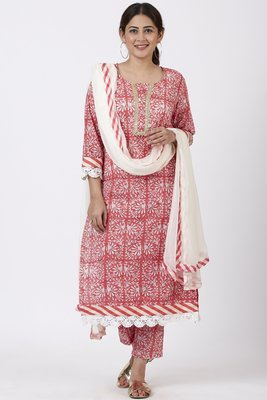 Raspberry Pink Floral Printed Kurti with Printed Pants and off white Chiffon Dupatta