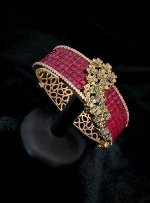 Beautiful victorian jewellary bracelet