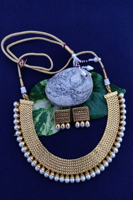Golden and White collar necklace