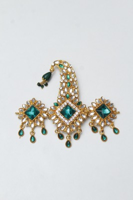 Blue diamond brooch