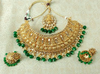 Lalso Designer Gold Plated Kundan Stone Green Drops Bridal Choker Necklace Earring Jewelry Set - LCN27_GR