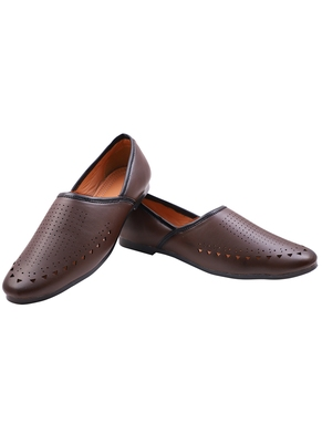 Casual Ethnic Brown Mojari Shoes For Men